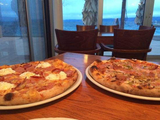 Equinox, Bol: pizza with a view