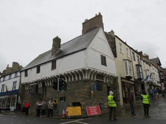Aberconwy House: the house