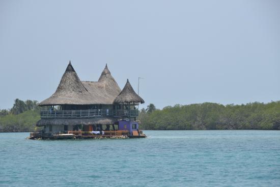 Isla Tintipán, Colombia: CASA en el AGUA