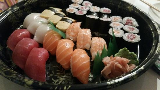 Family sushi from Yatai