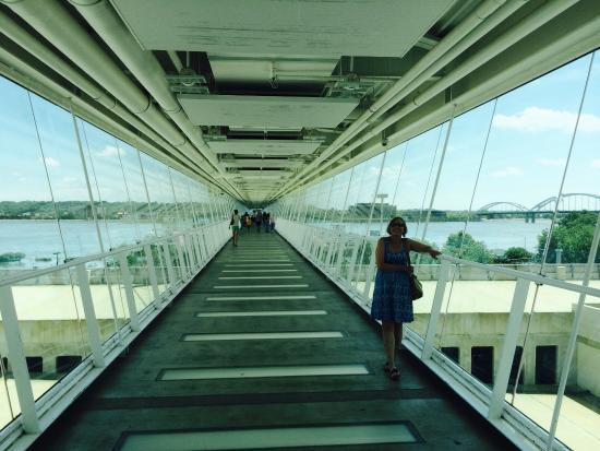 Davenport Skybridge: Inside the bridge