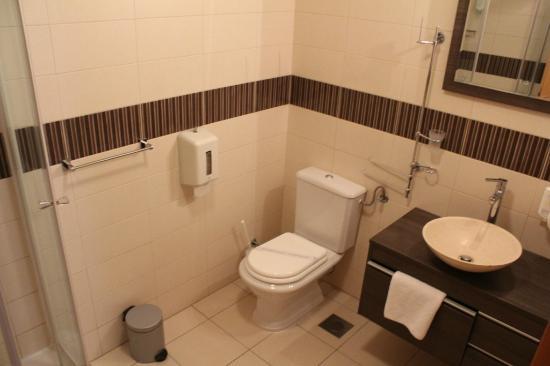 Berkeley Hotel: Standard double room - bathroom