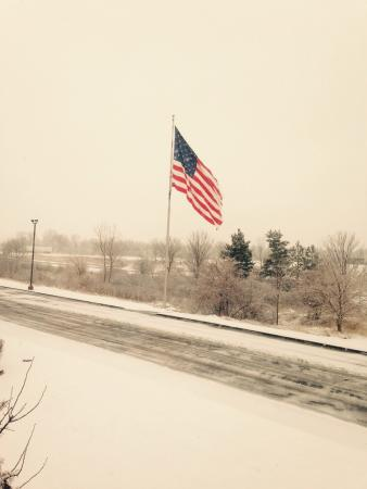 Best Western Davison Inn : Snowy morning