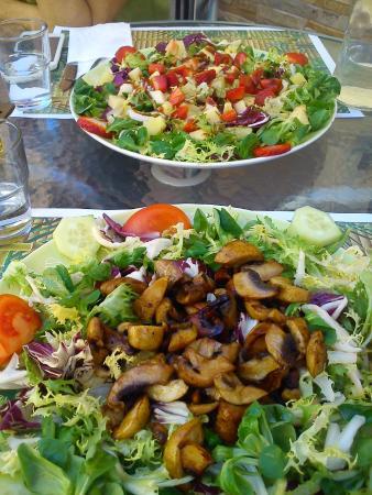 Shangri-La Vegetarian Restaurant: Ensaladas