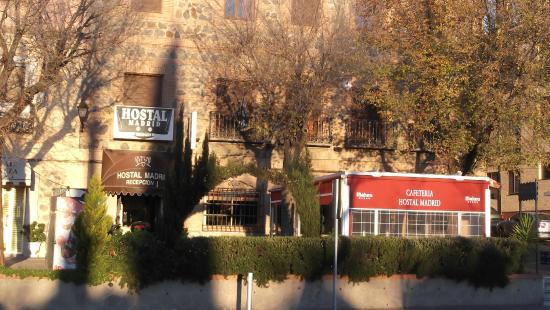 Hostal Madrid: Buena ubicación