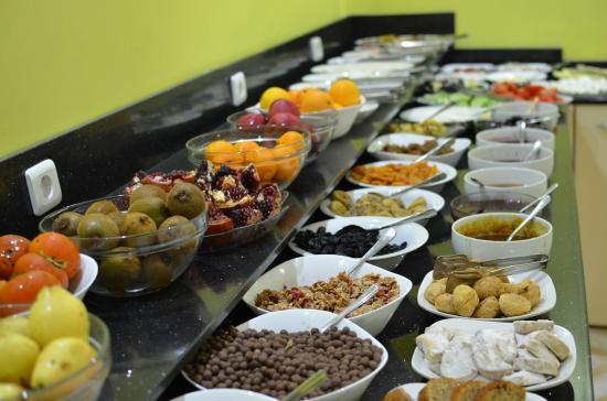 Basileus Hotel: Breakfast Buffet