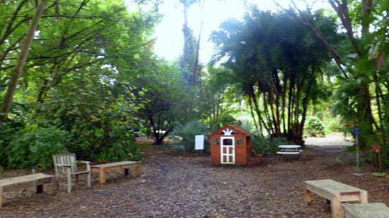 Heathcote Botanical Gardens: Children's Garden And Children's Pioneer House