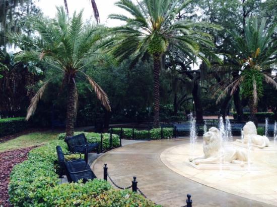 Hyde Park Village: Fonte