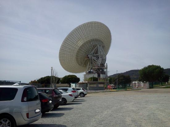 Complejo de Comunicaciones con el Espacio Profundo NASA: La antena principal del complejo