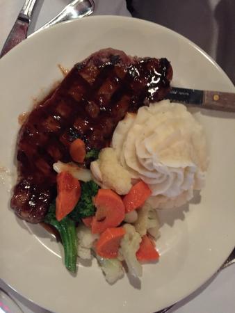 The Landmark Tavern : Sirloin steak