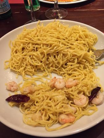 La Tagliatella : Peperoncino e gamberi et taglieri sur les conseils du serveur