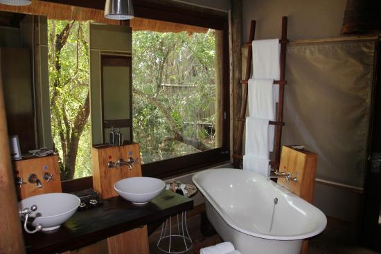 Rhino Post Safari Lodge : Bad