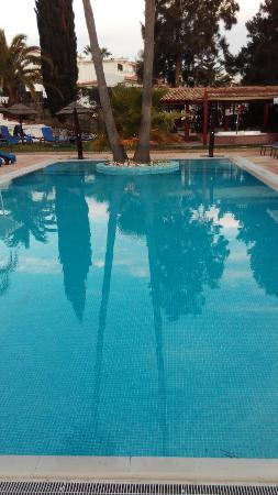 Cerro da Marina Hotel: Bonita piscina y jardines