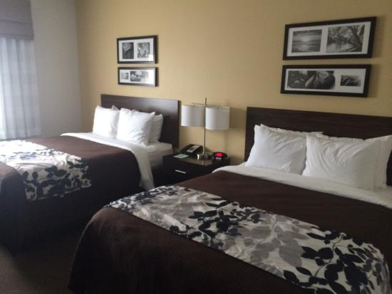 Sleep Inn & Suites: What our room looked like!!