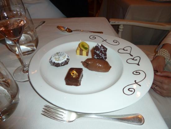 Alt Wyk: Schokoladenüberraschung für die Braut und für die Gäste
