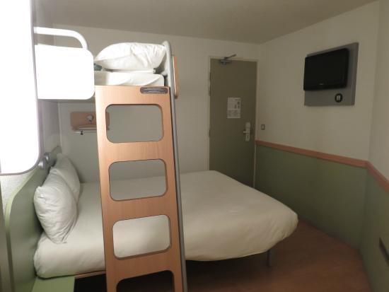 Ibis Budget Blois Centre: quarto - room - chambre