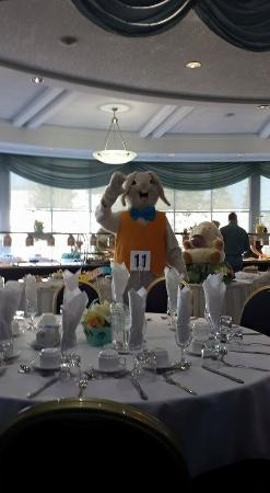 Chateau Louis Hotel & Conference Centre: Easter Bunny
