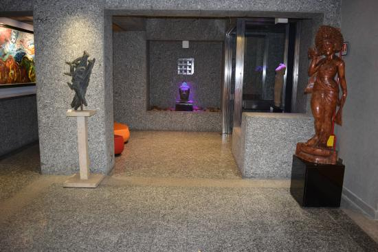 Best Western Plus Executive Hotel and Suites: Lobby/Entrance