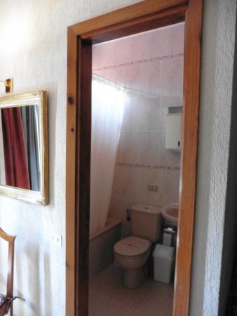 Don Candido: door to bathroom