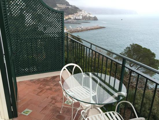 Santa Caterina Hotel: view of Amalfi from balcony