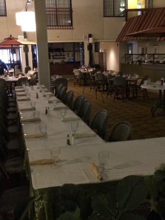 Holiday Inn Boston Brookline: Dinner party for 20 - wonderful service!