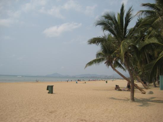Sanya Bay beach - Does it look crowded to you?