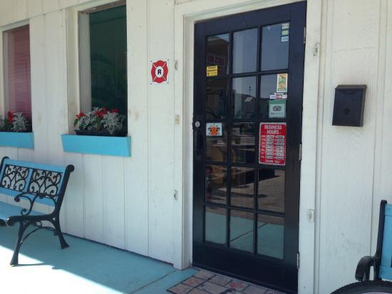 Black Bean Cafe: The entry door