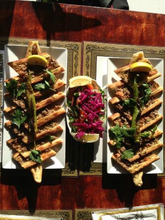 Safir kebab: Etli Ekmek