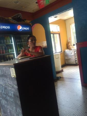 """El Norteno Mexican Restaurant: The woman who identified herself as a """"manager"""" yet failed to behave like one."""