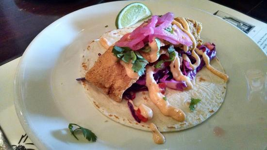 Iron Hill Brewery & Restaurant: Great pizza, red quinoa salad, pork and fish taco
