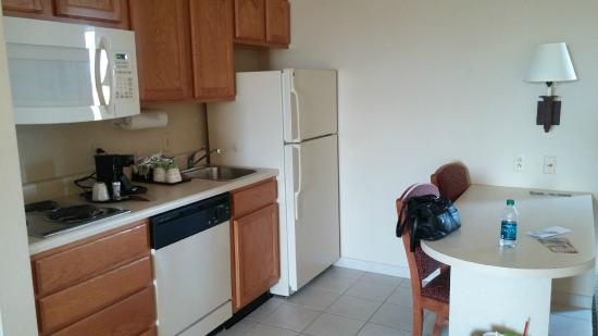 Hampton Inn and Suites-Chesterfield: Kitchenette with dishwasher, sink, dishes, full size refrigerator