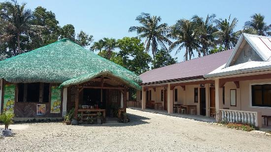 Milnards Lodge and Restaurant Pagudpud