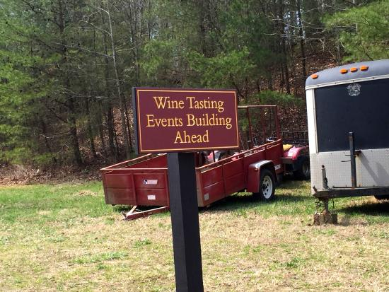 Running Hare Vineyard: Love the signs