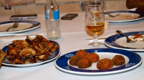 Fuencaliente, İspanya: comida de amigos