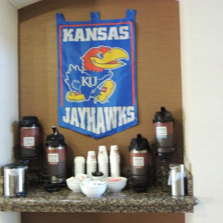 Comfort Inn & Suites: fresh coffee available all the time