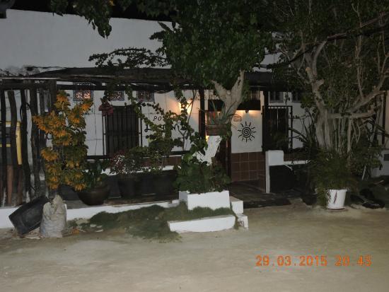 Frente de la Posada Lagunita