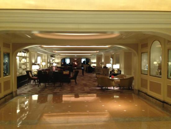 view of the lobby from the bar picture of four seasons. Black Bedroom Furniture Sets. Home Design Ideas
