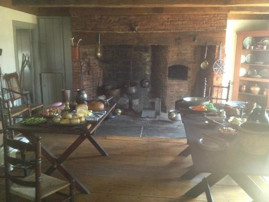 Ford Mansion and Museum: Ford Mansion - kitchen (tables and hearth)