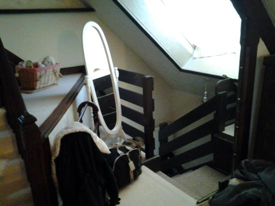 Collingwood Guest House: come up 2nd flight of stairs into room