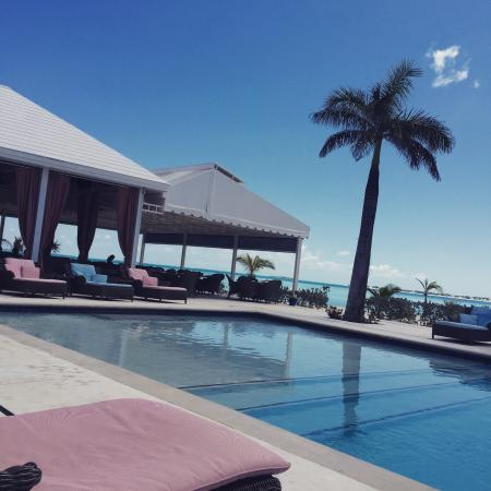 Treasure Sands Club : View from the pool chair!
