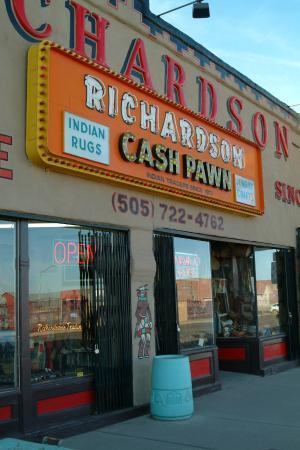Richardsons Trading Company: Entrance right on US Historical Route 66