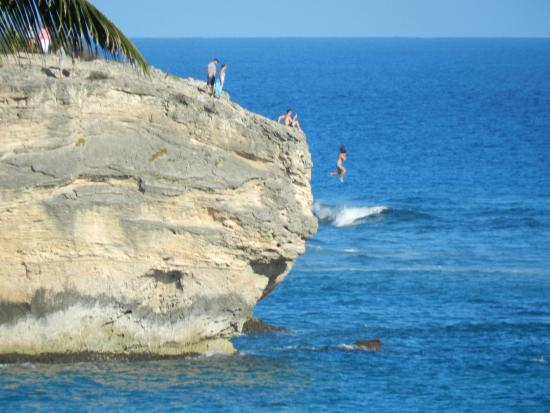 Coastline Cottages : Cliff-jumpers