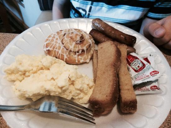 Englewood, CO: Breakfast