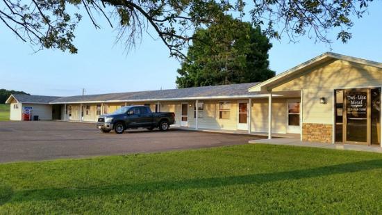 Twi-Lite Motel : Front View
