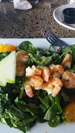 South Beach Grill: Spinach Salad with shrimp.Fish Tacos.