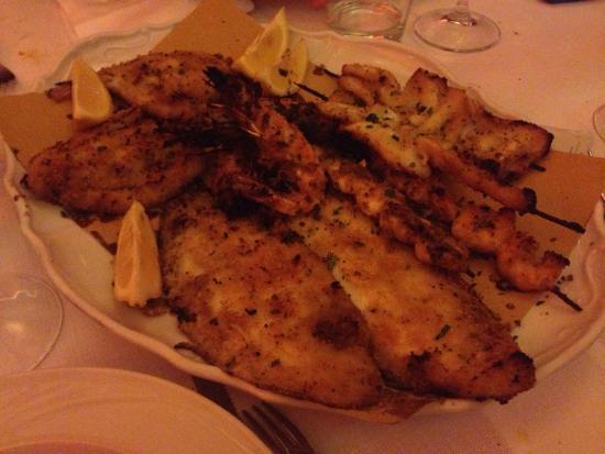 Montegridolfo, Italia: Pesce alla griglia