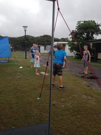 North Coast Holiday Parks Hawks Nest Beach: Kids having fun regardless of the rain