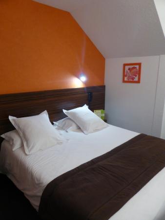 Hotel Les Afforets: Lit spacieux et literie confirtable