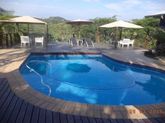 Rock View Lodge: Pool Deck