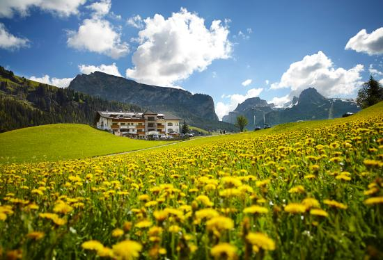 Granvara Relais & Spa Hotel: Spring Time in the Dolomites